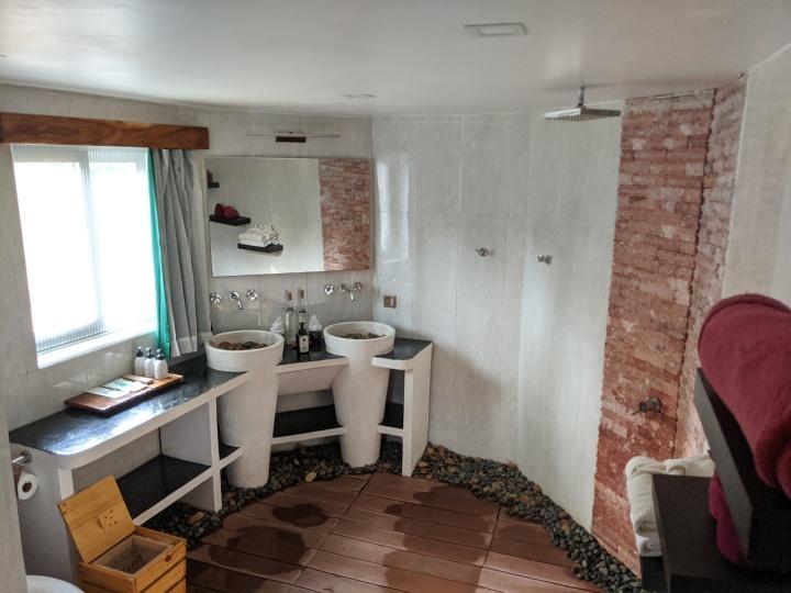 4 Rivers bathroom