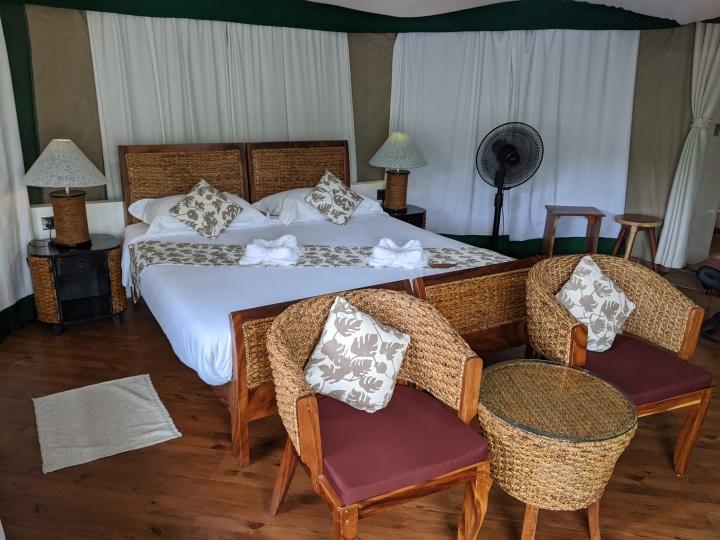 4 Rivers bedroom