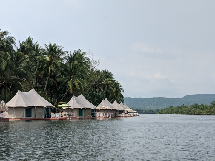4 Rivers floating tents