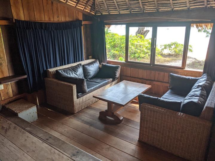 Hut 14 lounge 2